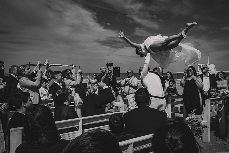 Amazing scene from a wedding day captured by Pablo Andres